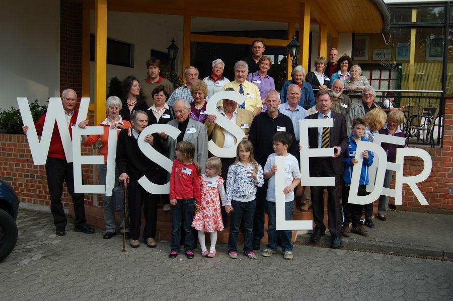 Traditionelles Familienfoto eines WEISSLEDER-Treffens - hier aus dem Jahre 2010