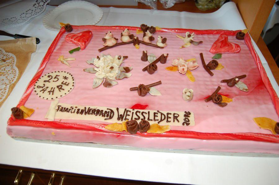 Die Jubiiäumstorte zu 25 Jahre Familienverband WEISSLEDER (von Karl-Heinz Weissleder)
