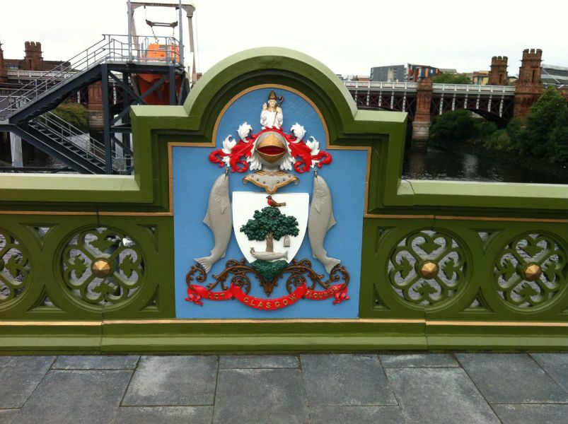 Coat of arms and its motto: Let Glasgow flourish